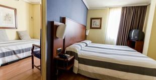 Apartamento de 1 dormitiorio (2 adultos + 1 niño) Torreluz Aparthotel