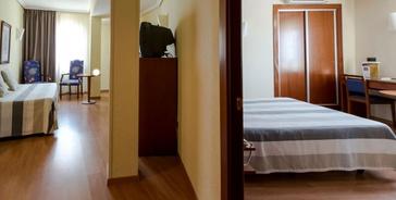 APARTAMENTO 1 DORMITORIO (2 adultos + 2 niños) Torreluz Aparthotel
